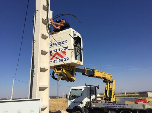 Tramitación y línea aérea baja tensión chalet en Barrax