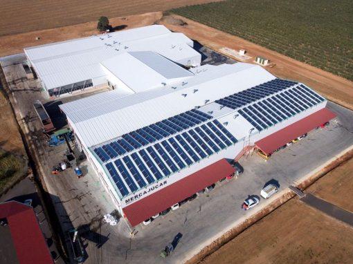 Instalación fotovoltaica de 100 kw para autoconsumo sobre cubierta de Mercajucar