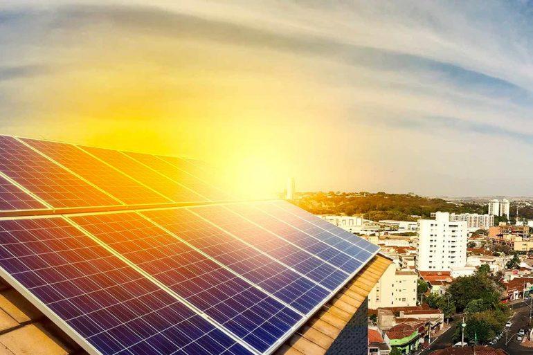 Castilla-La Mancha elimina la licencia de obras e incentiva el autoconsumo fotovoltaico en los domicilios